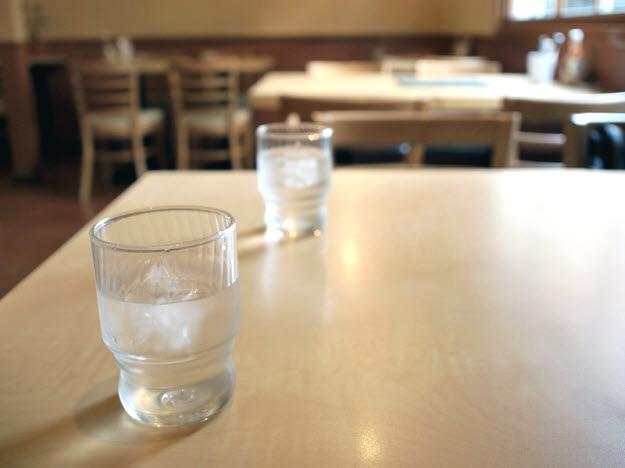 喫茶店で協議離婚の話し合い